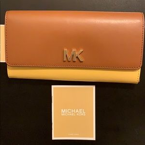 Michael Kors Bags - NEW Micheal Kors Montgomery Leather Wallet